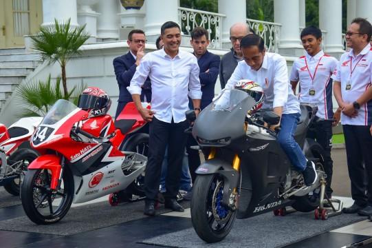 Terima CEO Dorna, Presiden Jokowi Sampaikan Kesiapan Indonesia Gelar MotoGP 2021 di KEK Mandalika